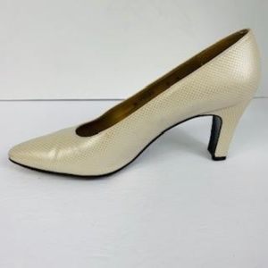Stuart Weitzman Gold and Cream Heel